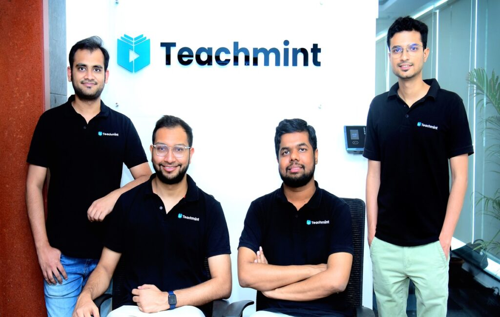 four team member of teachmint online indian teaching giving the pose in blact tshirt